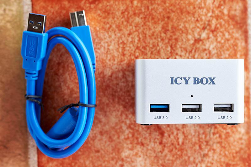 ICY BOX IB-880 (5)