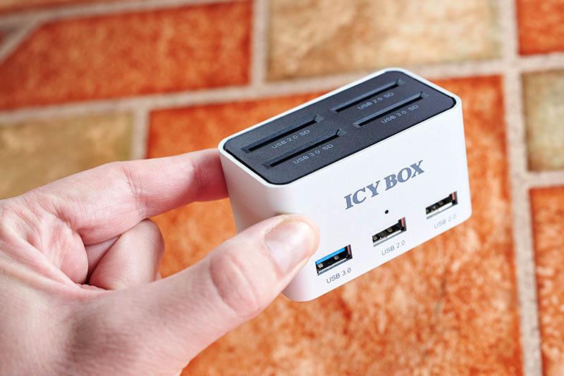 Icy Box IB-880 (2)