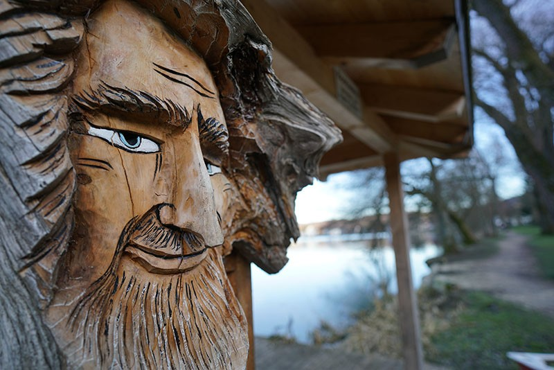 Wooden_expression