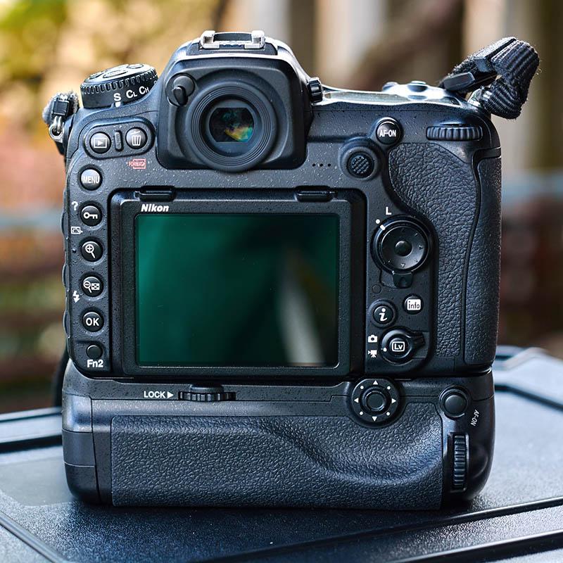 Nikon D500 grip (1)