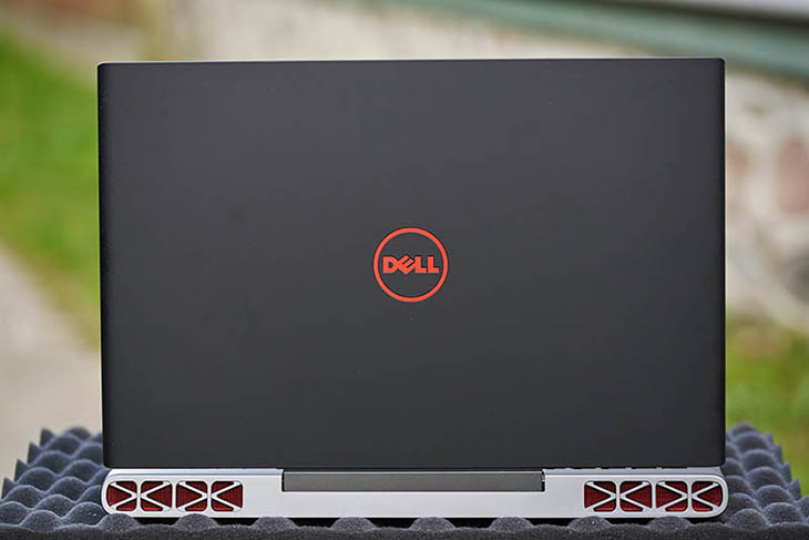 DELL Inspiron 7567 cover
