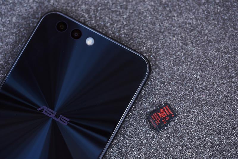 Kingston Mobilelite G4 - SD si microSD (6)