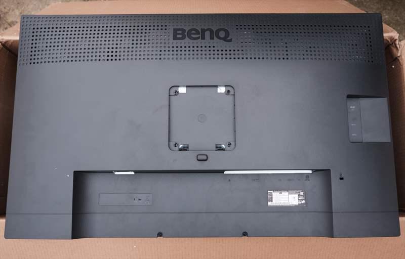 BenQ SW320 (1)