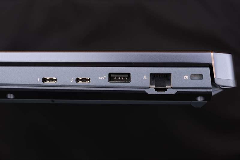 ASUS StudioBook Pro X W730G5T 01 (17)