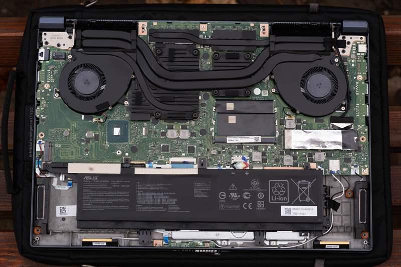 ASUS StudioBook Pro X W730G5T 01 (2)