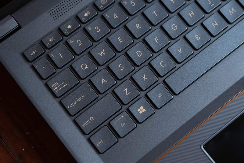 ASUS StudioBook Pro X W730G5T 01 (41)