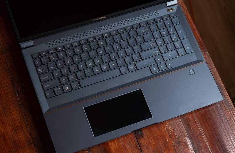ASUS StudioBook Pro X W730G5T 01  (47)