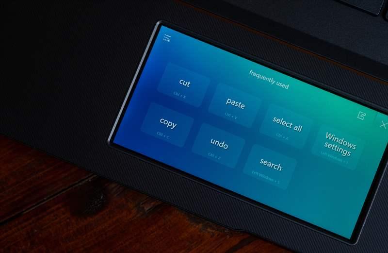 ASUS StudioBook Pro X W730G5T 01 (65)