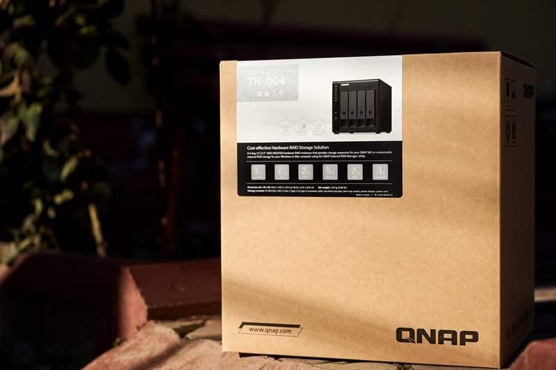 Qnap TR-004 - 01 (3)