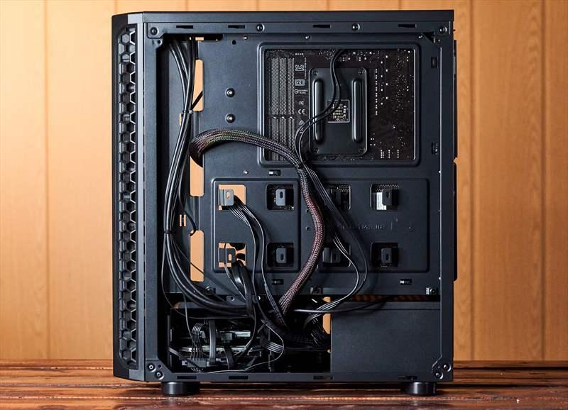 Workstation Pixel Paladin - PC Garage - Ghidul DLSR - 1 (30)