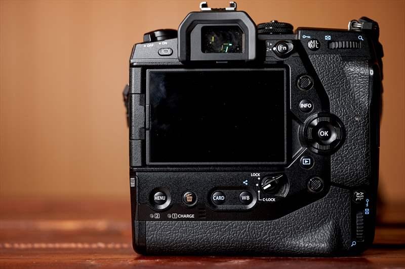 Olympus E-M1X - 01 (6)